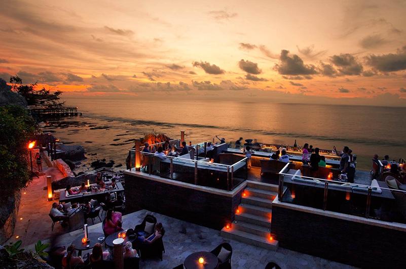 Rock Bar at sunset at Ayana Resort and Spa, Bali