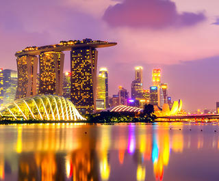 SINGAPORE SKYLINE NIGHTTIME